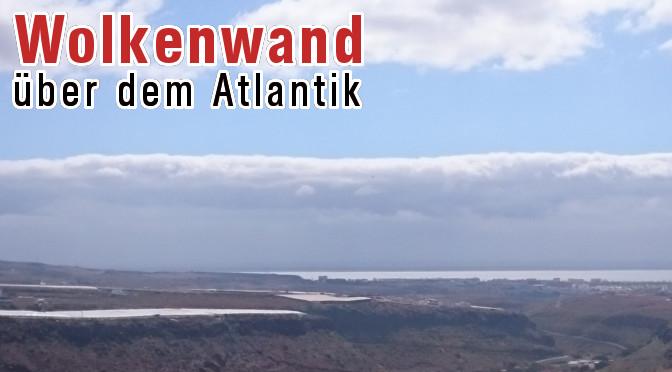 Beeindruckende Wolkenwand über dem Atlantik